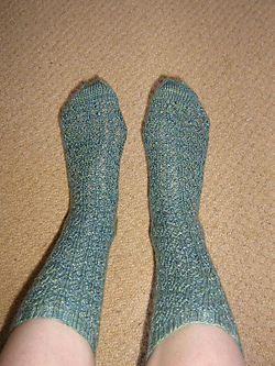 Snowflake_lace_socks