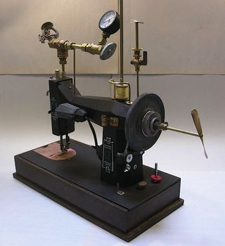 Steampunksewingmachine